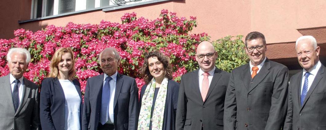 Dr. Rolf Thieringer, Isabel Fezer, Dr. Heinz Muschel, Sabine Bergmann-Dietz, Dr. Peter Müller, Jens Eckstein, Dr. Ulrich Neth (von links nach rechts)